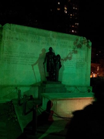 Grim Philly Twilight Tours: Tomb of the Unknown Soldier