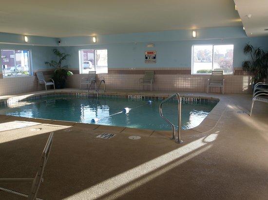 Baymont Inn & Suites Fulton: Pool