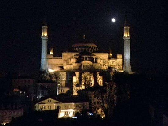 Istanbul Violet Apartments: vistas habitación