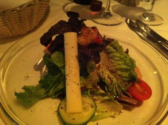 Flava petite salad with great dressing.