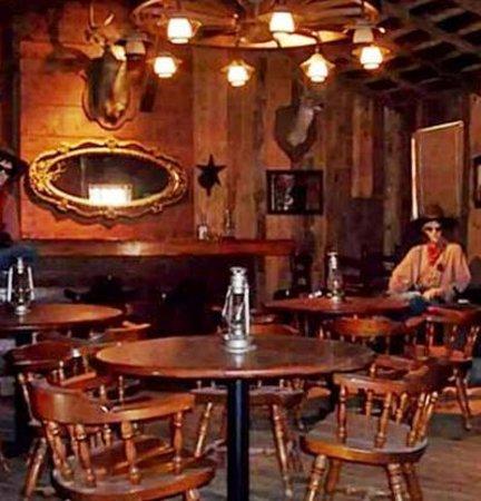 Chisholm Trail Inn: Brazos Rose Saloon in Chisholm  Town