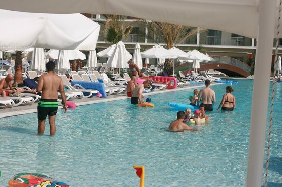Sunwing Side Beach: pool