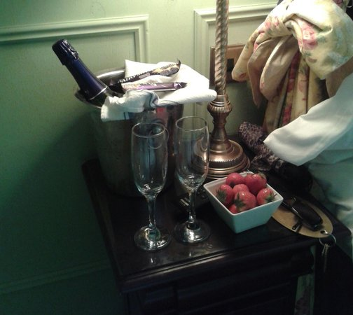 Fauconberg Arms: Thank you for our champagne :-D