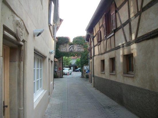 Hotel A la Cour d'Alsace: entrée de l'hotel