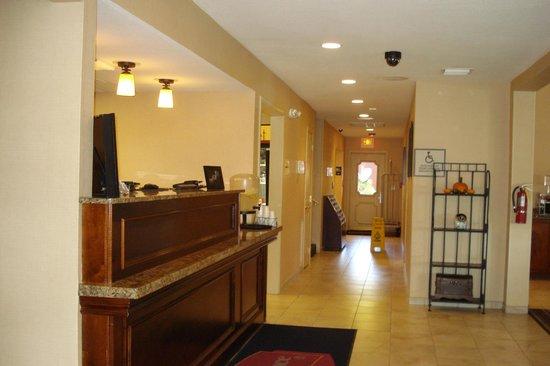 Residence Inn Orlando Altamonte Springs/Maitland: Front desk area