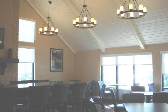 Residence Inn Orlando Altamonte Springs/Maitland: Dining area