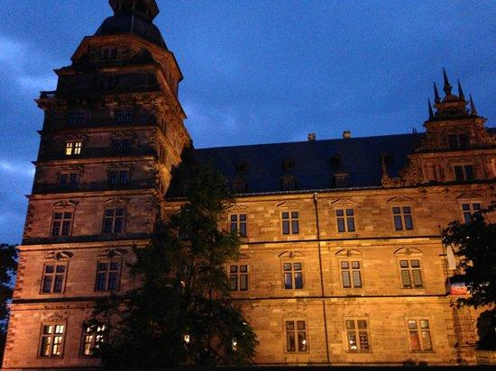Schloss Johannisburg mit Schlossanlagen: castelo em Aschaffenburg