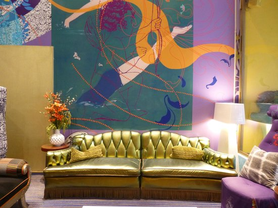 Hotel Triton: Funky lobby