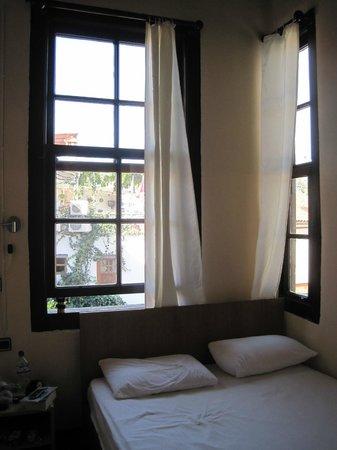 Dedekonak Pansiyon: My bedroom