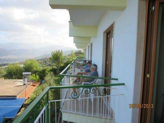 Il Nido Hotel Sorrento : Enjoying Il Nido balconies