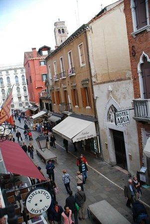 Hotel Adriatico: Par la fenêtre...