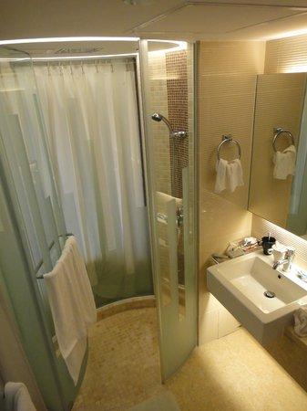 The Bauhinia Hotel - Tsim Sha Tsui: Toilet