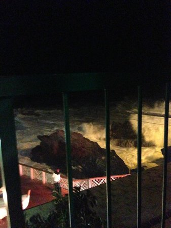 ALBERTA Casa Vacanze : View at night during storm- awesome waves!