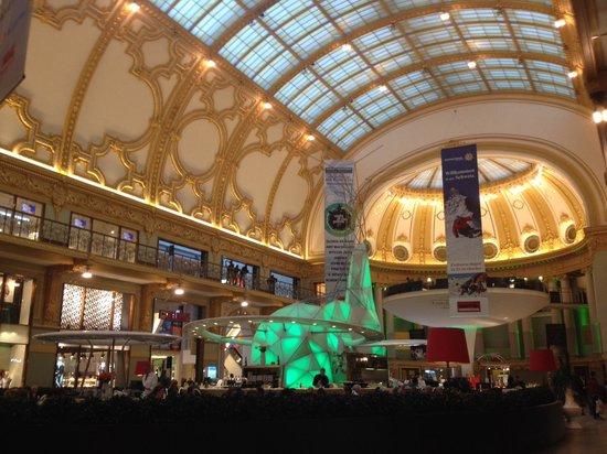 Shopping Stadsfeestzaal: Schitterend om naar te kijken!