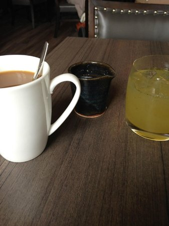 25 Liberty : My coffee and juice