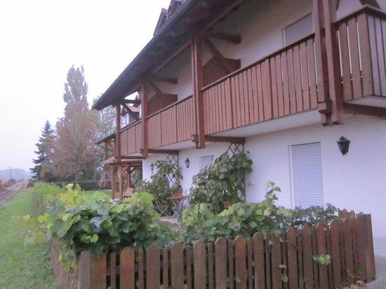 Hotel Landgasthof Zwickl: Achterzijde dependance