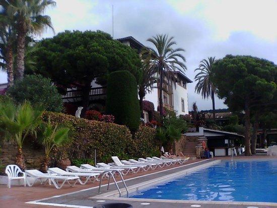 Hotel Roger de Flor Palace: Piscina