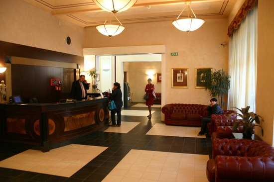 Hotel Caesar Prague : Reception