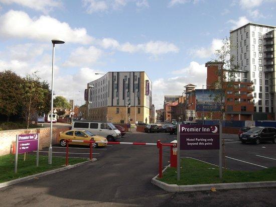 Premier Inn Ipswich Town Centre (Quayside) Hotel: overspill car park
