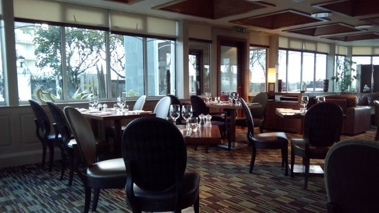 Fairfield House Hotel: Evening restaurant and sitting area