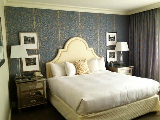 Hilton Dallas Lincoln Centre: Room was beautiful, spacious, light and clean