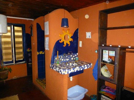 Chez Aina : Una sala da bagno