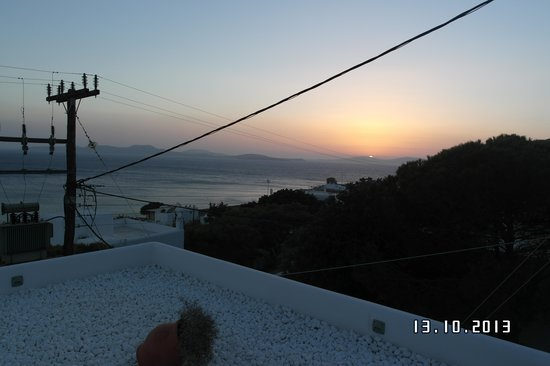 Lithos by Spyros & Flora: View of sunset from terrace