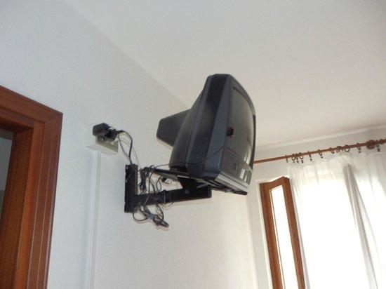 Hotel Rustichella: la tv di cui parlo nella recensione