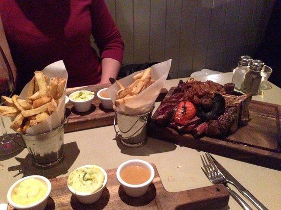 The Chophouse Gastro Pub: Porterhouse for 2