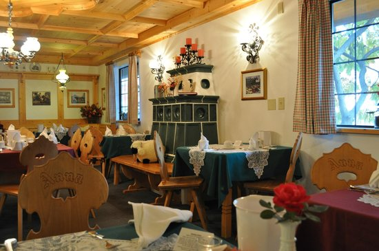 Hotel Pension Anna: Dining Room