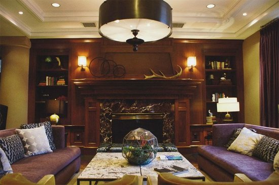The Paramount Hotel: Very cozy lobby