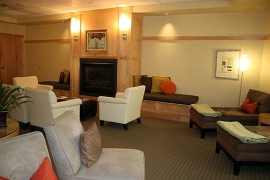 Topnotch Resort: Ladies lounging area in the spa.