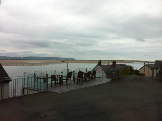 Penhelig Arms : View from patio outside the room across to the water