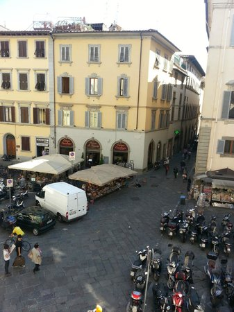 HOTEL LORENA: View of piazza