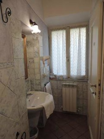 Antica Residenza Cicogna: Corte Bathroom