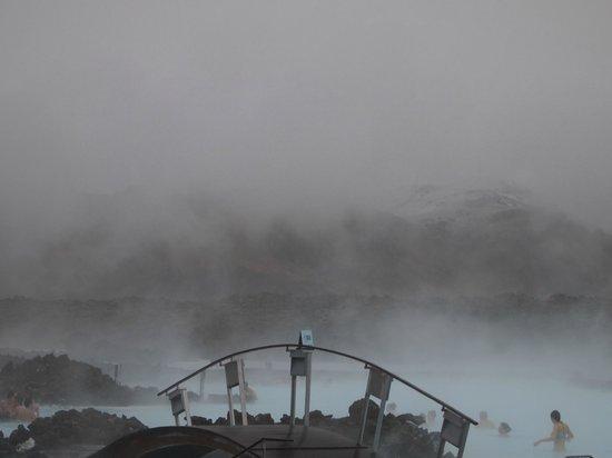 Blue Lagoon Iceland: Snowing