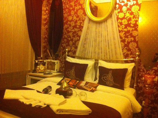 Sultan Tughra Hotel: Our ottoman room