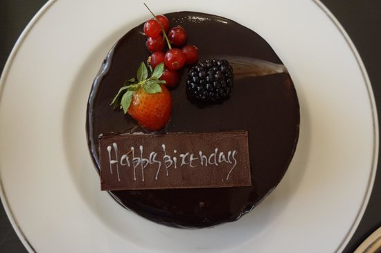 Grosvenor House Dubai : Happy birthday!