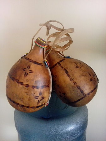 Kericho, เคนยา: traditional milk container- kalenjin gourd.