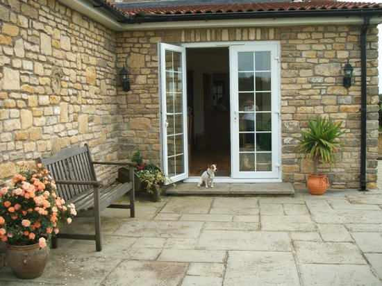 Croftlands Bed and Breakfast: Guest private patio area to enjoy a summers eve