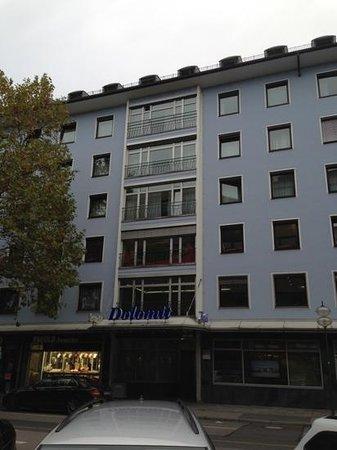 Hotel Dolomit : сам отель Доломит