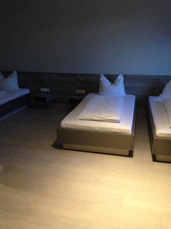 Hotel Dolomit : трех местный номер