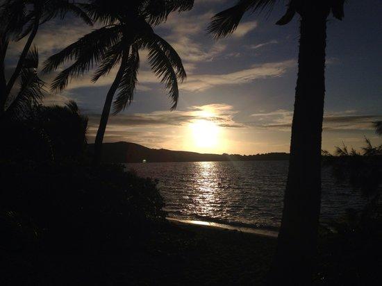 Barefoot Manta Island: Sunset