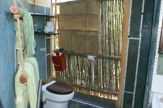 Chumbe Island Coral Park : bathroom