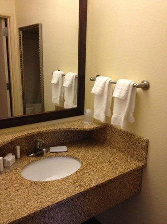 SpringHill Suites Lehi at Thanksgiving Point: Bathroom Sink