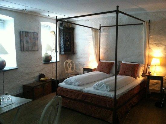 Hotel Park Bergen: Room in bottom floor of annex.