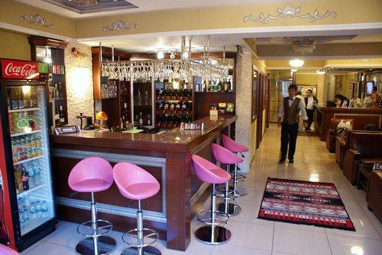 Hotel Bazaar: The lobby