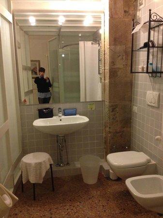 B&B Borgo Largo 51 : Caterina e il bagno dell'Upupa