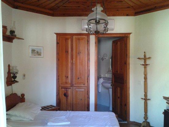 Asur Hotel & Aparts & Villas: Room 304