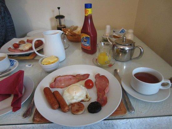 Roisin House : Full Irish breakfast